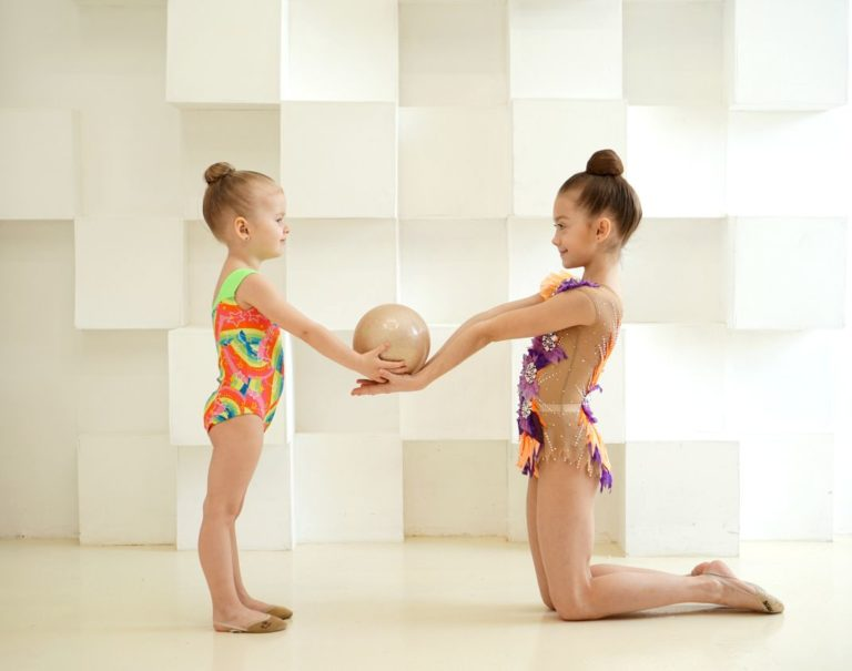 1_гимнастки с мячом челябинск